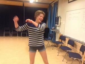 Emellie från Ljungby är en av de du förmodligen kommer att  få möte på Öppen Scen idag.
